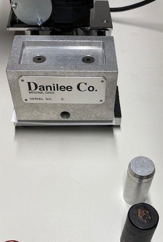Danilee bottle cap adapter
